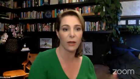 Priscila Cruz durante uma transmissão na plataforma Zoom