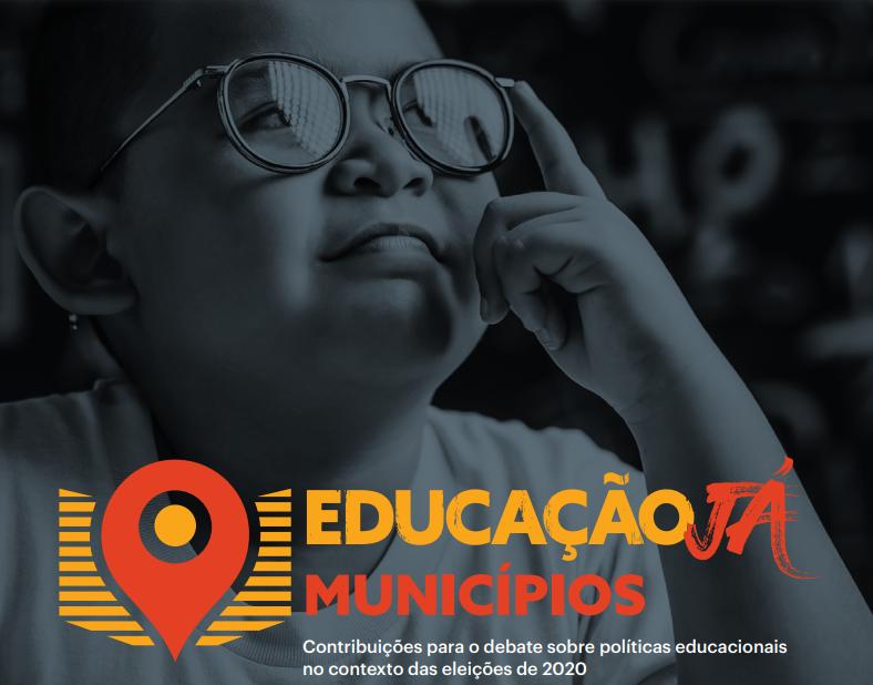 criança de óculos em imagem em preto e branco e o texto na imagem educação já municipios
